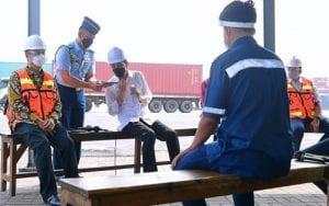 Sopir Truk Keluhkan Pungli dan Premanisme, Jokowi Langsung Telepon Kapolri